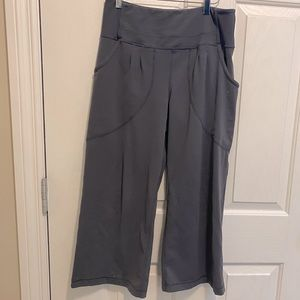 Lululemon grey wide leg crops